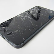 Tips before replacing your broken phone screen with a new one